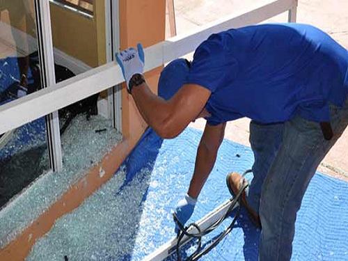 Sửa cửa kính thủy lực, bạn có đang muốn sửa không?